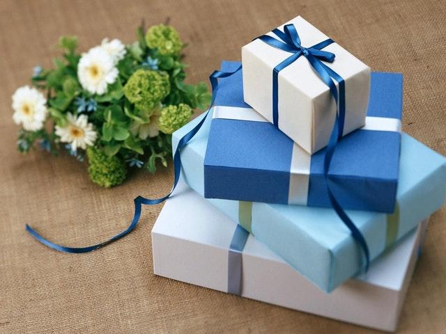 付き合う前の女性へプレゼント!失敗しないおすすめギフト4選