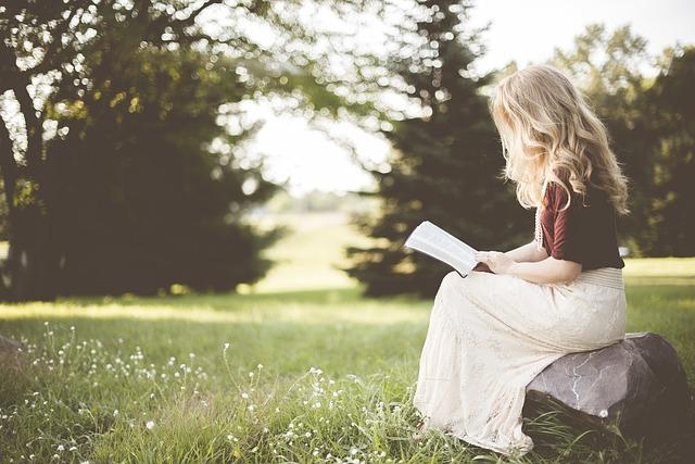 読書好き女子と付き合うには?趣味で付き合うならアプリで彼女を探そう