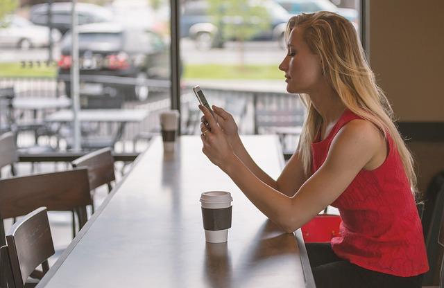 カフェ巡り好き女子と出会うには?趣味で探せるアプリで彼女をつくれ